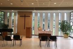 10-panneaux-vitrés-et-croix